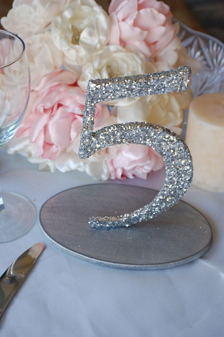 Glitter table numbers quinceanera decorations for Glitter numbers for centerpieces