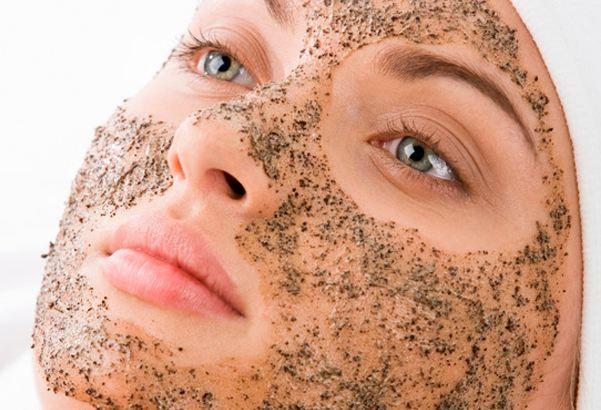 Descubre algunos remedios caseros muy útiles para eliminar puntos negros de la nariz.