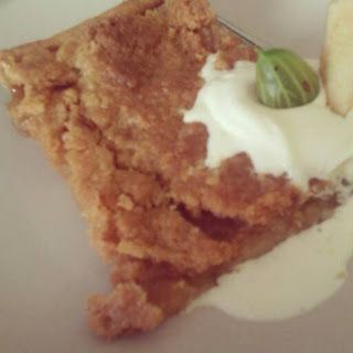 Summery Apple Crumble with fresh apples, ginger, lemon juice and almonds... check it out on Massive Food Baby