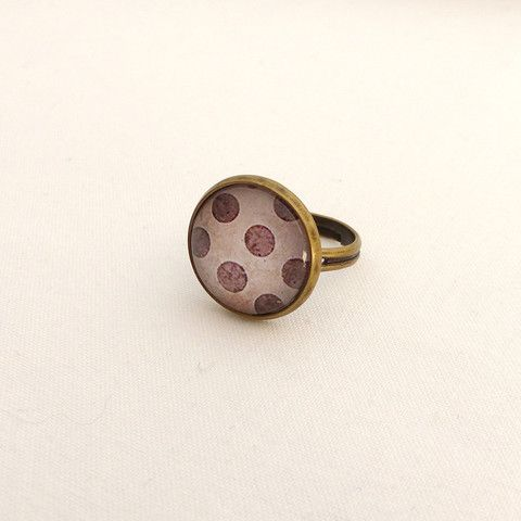Spotted pattern ring