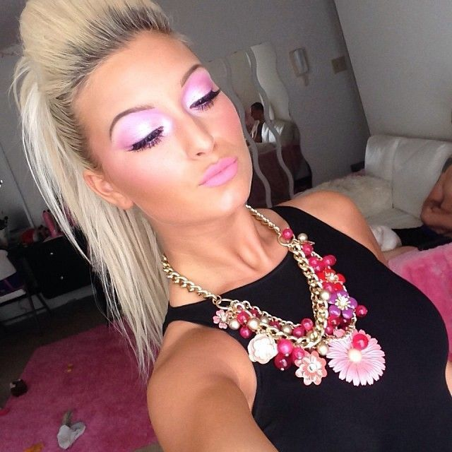 Totally Rich Spoiled White Girl Make Up Makeup Pinterest Teased Ponytail Makeup And Ponytail
