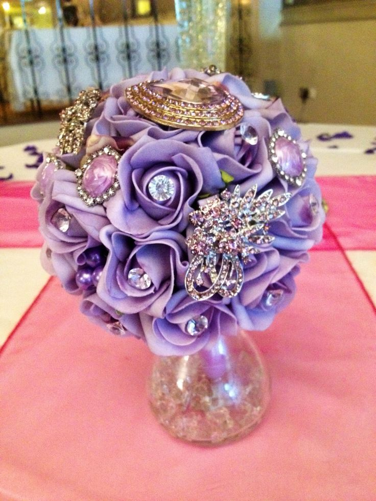 Brooch.bouquet