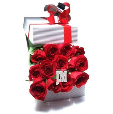 Las rosas son mensajeras de afecto, cariño, ternura, amor. Puede ampliar su mensaje enviando una determinada cantidad de rosas, por ejemplo 7, 8, o 25, o 100 rosas. Aquí puede armar su caja de rosas con una cantidad determinada que ella podría interpretar. Eso lo refuerza con un mensaje impreso con mucho cariño.  Para enviar a Bogota Colombia Desde USD$28