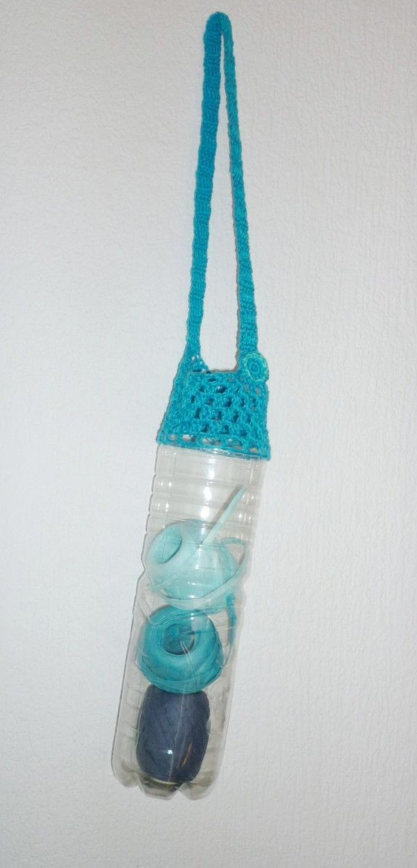Upcycle a plastic bottle into a cute bag | Upcycling and DIY | UPCYCLE ME