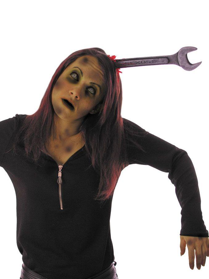 Serre-tête clé plate ensanglantée adulte Halloween : Ce serre-tête pour adulte est en plastique noir. Il est décoré sur le côté d'une fausse clé en mousse rigide grise effet métal. Elle mesure environ...