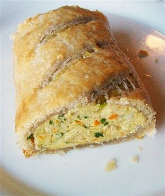 Homemade spicy chicken & vege sausage rolls with spelt rough puff pastry - perfect for Christmas parties!