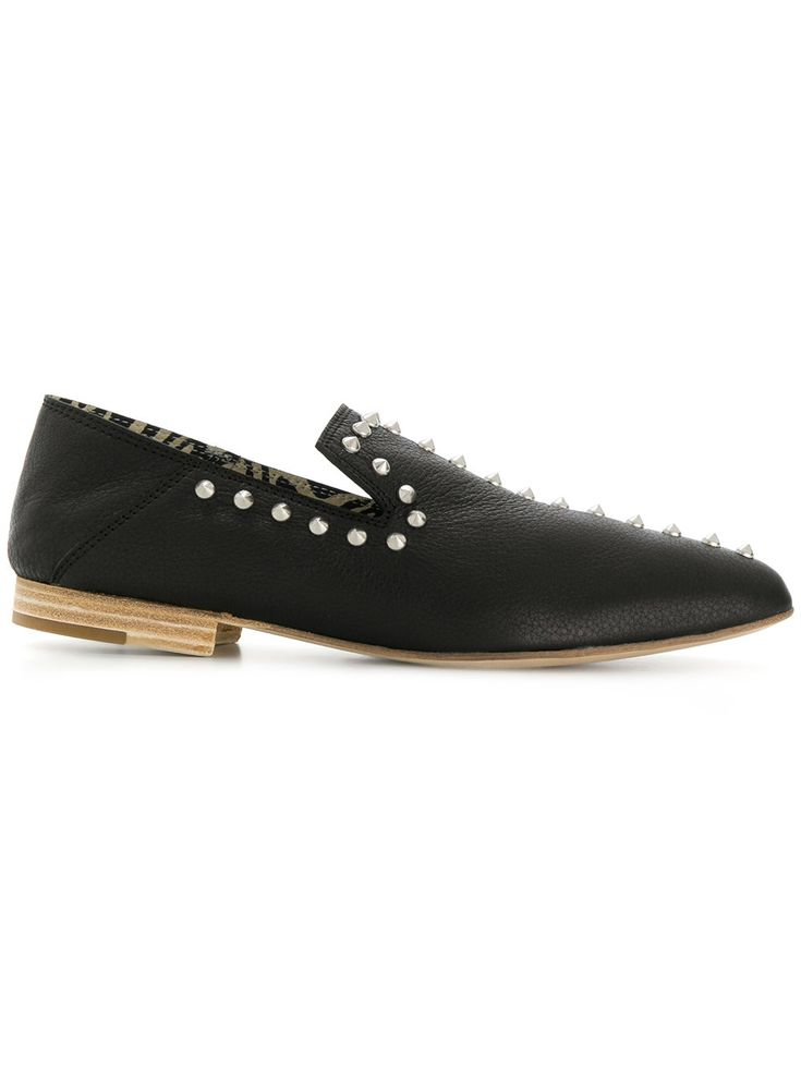 LEATHER CROWN . #leathercrown #shoes #