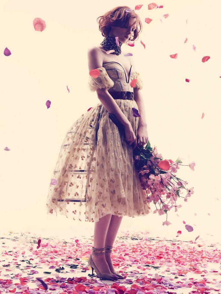 La Vie En Rose (Karen Elson by Alexi Lubomirski)