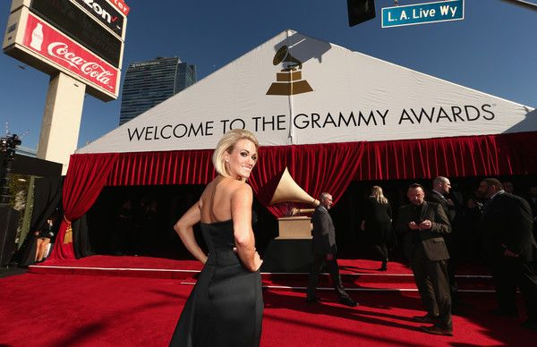 Carrie Underwood Photos Photos - Singer Carrie Underwood attends The 58th GRAMMY Awards at Staples Center on February 15, 2016 in Los Angeles, California. - The 58th GRAMMY Awards - Red Carpet