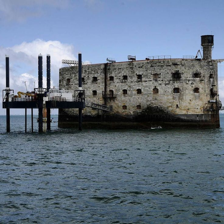 While we were staying at #LaRochelle in #France we took a trip out to Ile d'Aix.  En-route we passed #FortBoyard an amazing construction in the middile of the sea.  Fort Boyard (pronounced: [fɔʁ bɔjaʀ]) is a fort located between the Île-d'Aix  It was built in the 1800s under Napoleon Bonaparte to protect the coastline of France. Building started in 1801 and was completed in 1857.  It is an amazing feat of engineering which involved first establishing a port on the nearby  île d'Oléron and a…