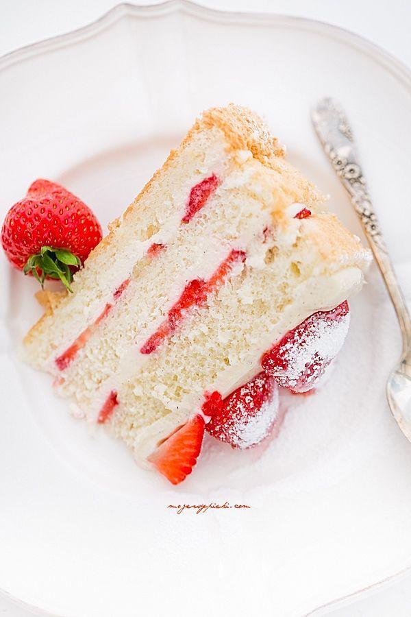 Śmietankowo - waniliowy tort truskawkowy