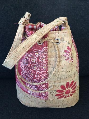 Bucket Bag im Blumenmuster aus Korkstoff - Idee in der Werkschau auf Makerist.de