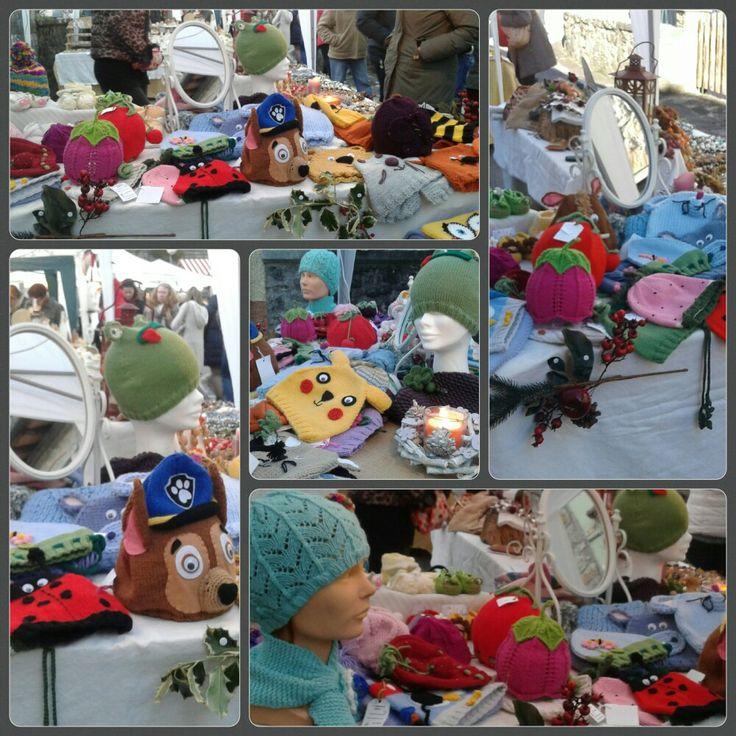 cappellini in lana fatti a mano