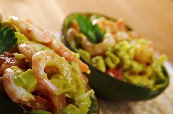 Luscious Grilled Shrimp Salad in an Avocado Shell with Spiced Yogurt - 306 calories per 1 cup serving