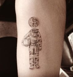 the astronaut on moon tattoo - photo #8