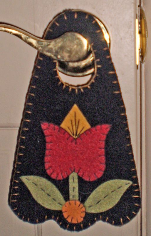 Free Wool Penny Rug Patterns   PENNY RUG DOOR HANGER Spring Tulip INSTANT DOWNLOAD E PATTERN