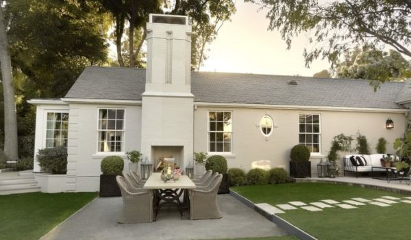 Gwyneth Paltrow's home in LA by Windsor Smith--with Links to the Veranda magazine 360 degree virtual tours of the entire house!