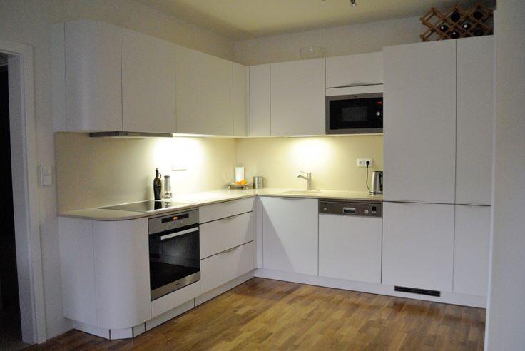 Výsledek obrázku pro bílá rohová kuchyně kuchyně Pinterest - k chen antik stil