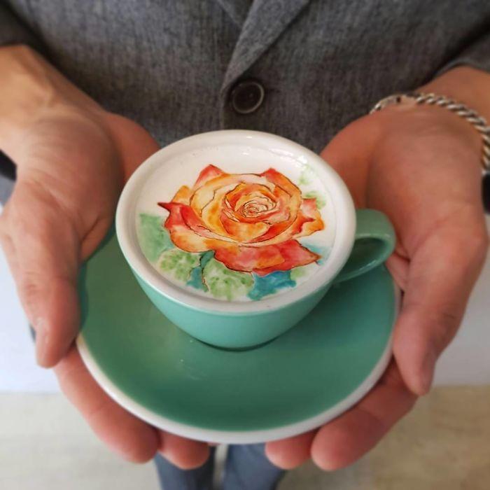 커피를 예술로 만드는 라떼아트