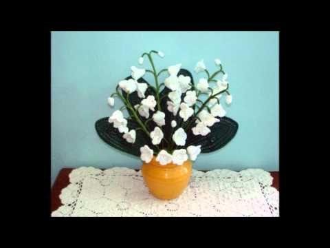 Composizioni di fiori all'uncinetto