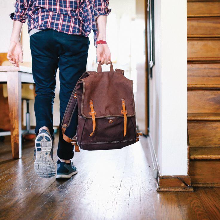 Guide de survie de l'étudiant migrateur - Métropole dynamique comptant quatre universités, de nombreux cégeps et établissements professionnels, Montréal attire chaque année des milliers d'étudiants venus de partout au Québec et de l'étranger. #montreal #universite #appartement #kangalou