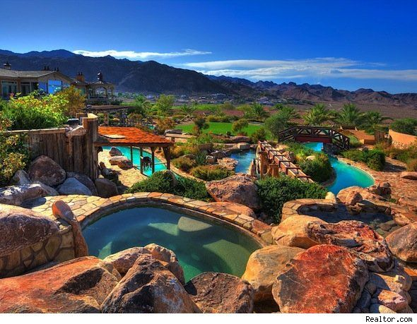 A Water Park Is This Boulder City Nev Homes Biggest Splash House Of The Day