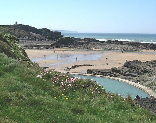 Summerleaze Beach & tidal pool, Bude, North Cornwall, England, UK. Had great times body boarding here!