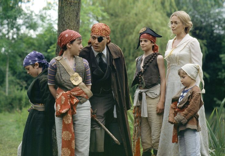 Freddie Highmore with Johnny Depp, Kate Winslet in Finding Neverland (2004)