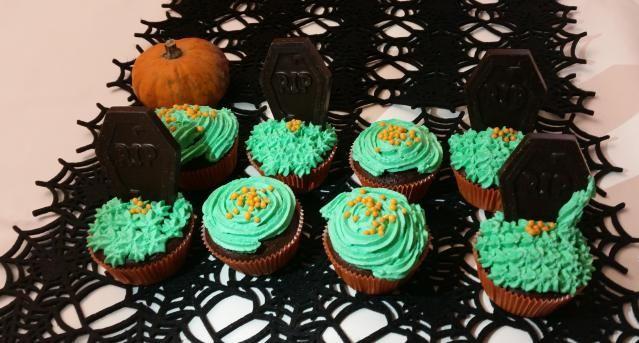 Cupcake halloween Tomb Cemetery. Cupcake tombe, cimitero