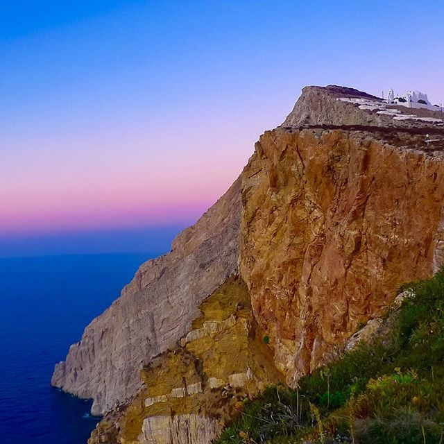 Our favorite little rock in the Mediterranean #Folegandros A #beautifulisland to #visit this #summer in #Greece