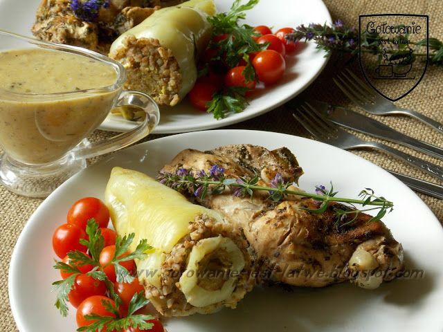 Gotowanie jest łatwe: Królik w ziołach i biała papryka nadziewana kaszą