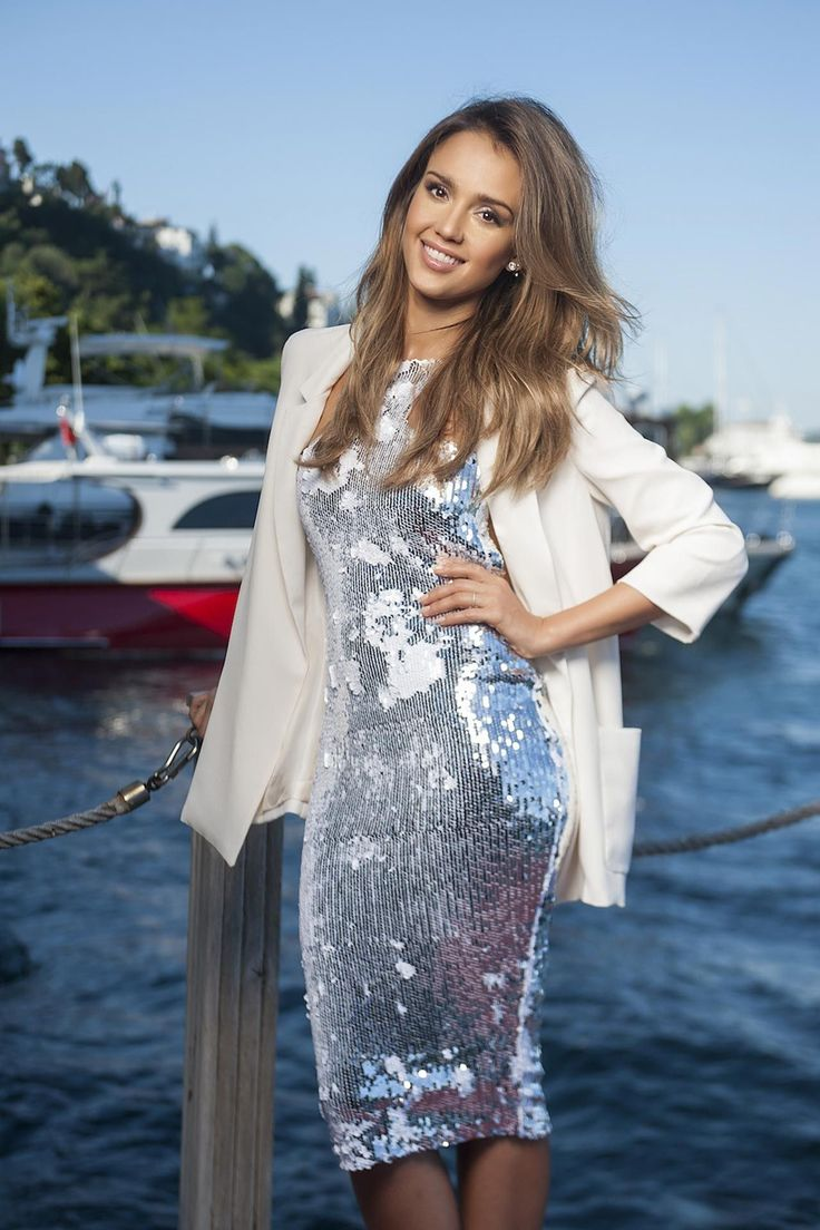 Jessica Alba Photoshoot for Hello Magazine (2014)