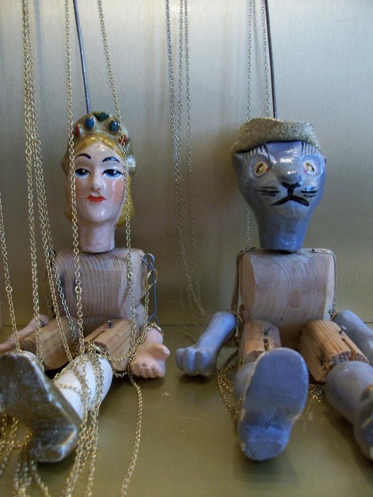 Pretty puppets