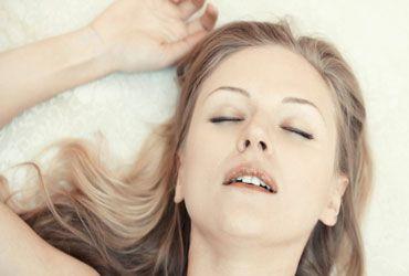زن رابطه جنسی زن ها در وقت آمیزش جنسی به چه چیزی فکر می کنند