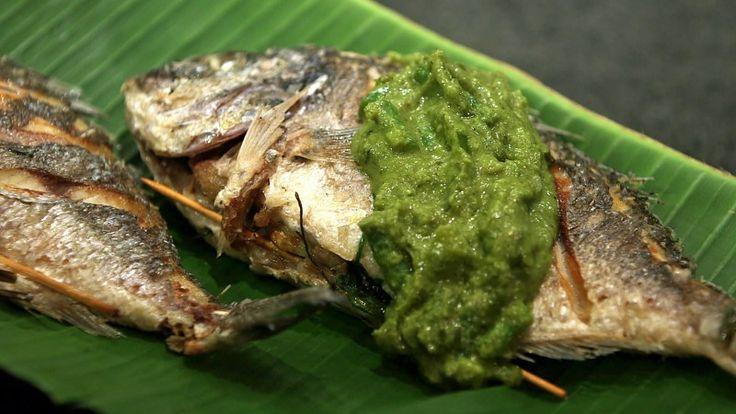 Green thai fish curry  Hjemmelaget green curry med grønne bønner, paprika og vårløk servert til helstekt fisk, slik Adam og James Price lager den i tv-serien Munter mat.