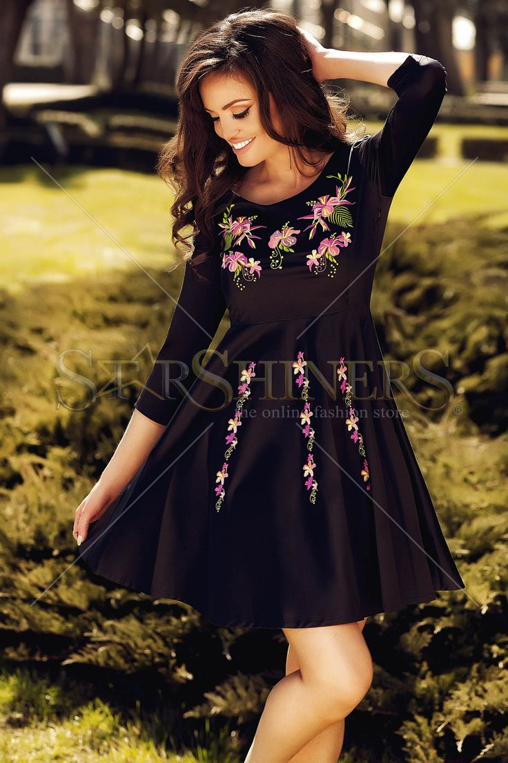 StarShinerS Embroidered Waves Black Dress