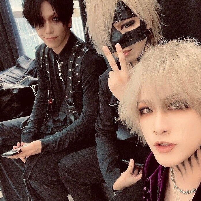 Ruki The Gazette Tumblr In 2020 With Images The Gazette Visual Kei Rock Bands Photography