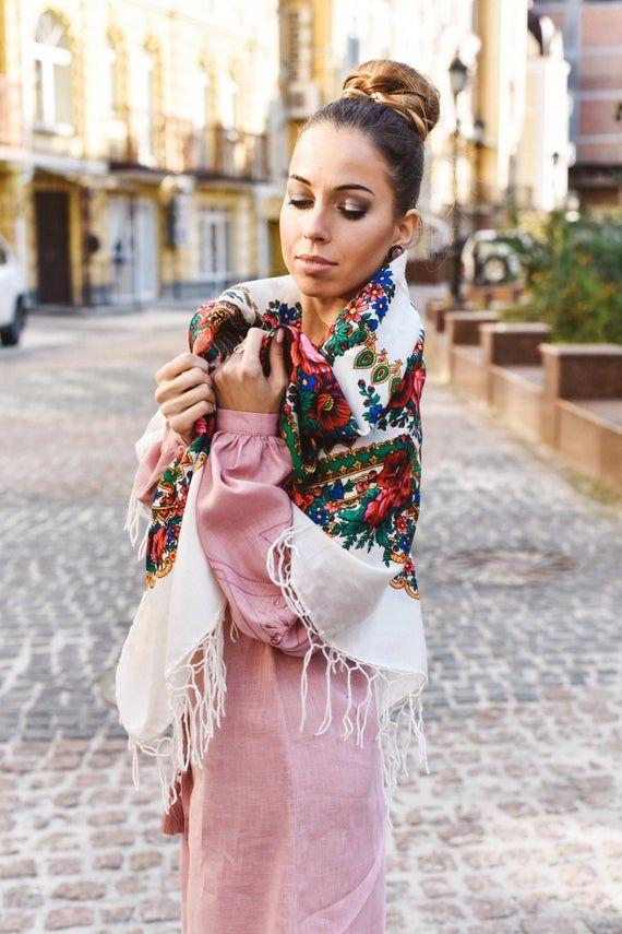 Ukrainsk sjal, Tradisjonelle ukrainske gaver til kvinner, sjal bohemsk skjerfblomst, Gave til kone, Gi   Ukrainian shawl, Traditional Ukrainian gifts for women,shawl bohemian scarf flower, Gift for wife,Gi
