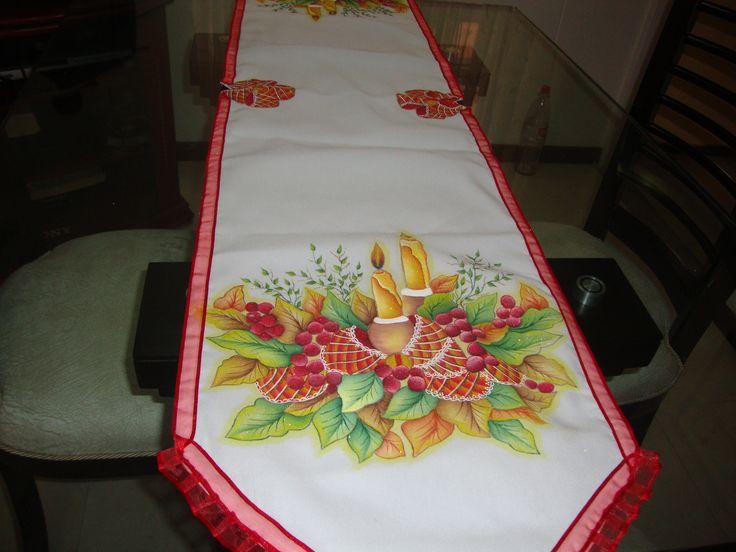 Caminos de mesa navide os pintados a mano imagui - Pintura en tela motivos navidenos ...