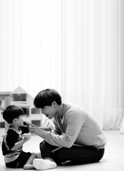 'at that moment, i knew he was going to be a great dad.' (ricky kim) #카이