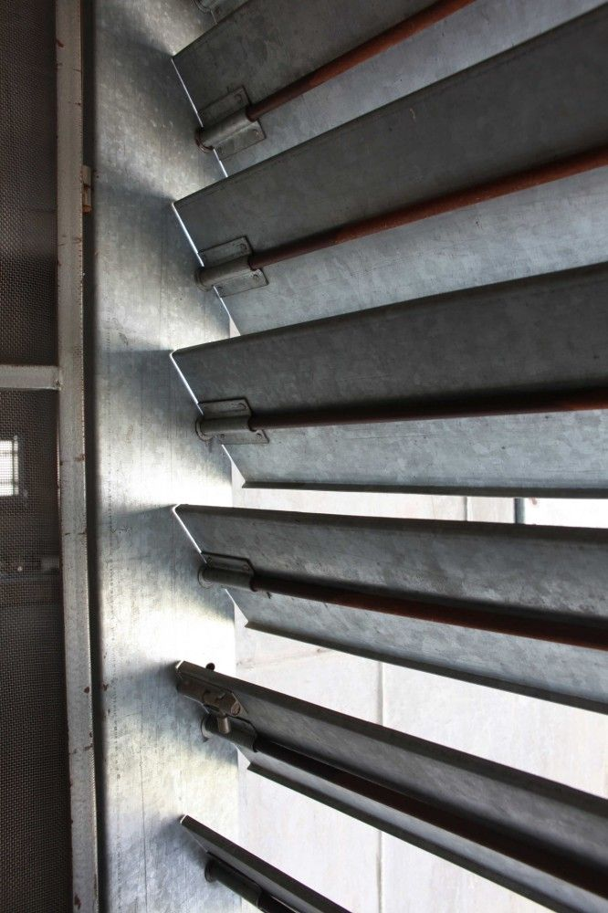 Parents House In Ajmer / Matharoo Associates - Louvers