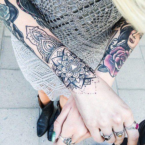 tatuagem feminina no braço 2