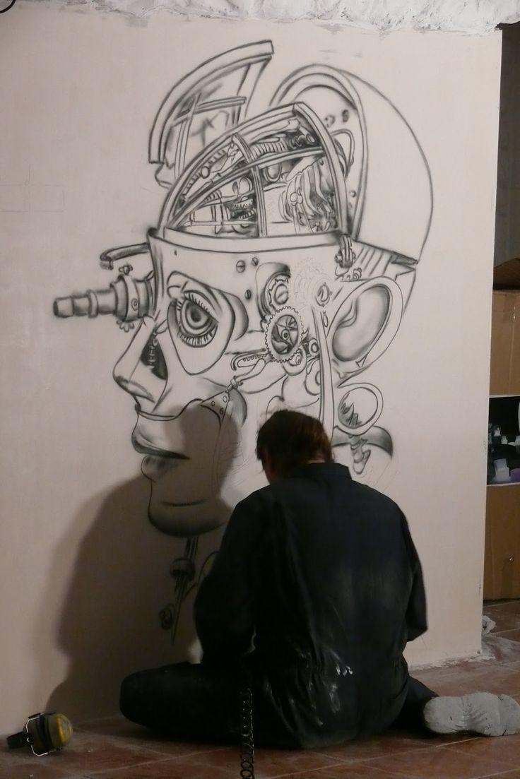 Mural utrzymany w klimacie steampunku. Steampunk to odmiana fantastyki naukowej oparta na czystej mechanice. Biomechanika steampunkowa. Aranżacja klubu Arctika Płock ul tysiąclecia 11