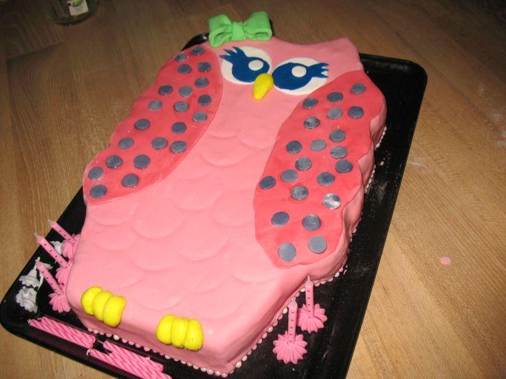 een mooie uiltjes taart voor mijn dochters verjaardag ze is helemaal gek van uiltjes!!