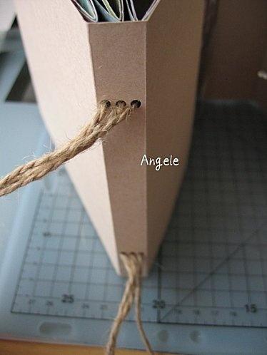 Tutorial for Mini Album - 3 pages d'un côté, 2 de l'autre - reliés avec de la ficelle- 6 feuilles 30 x 30