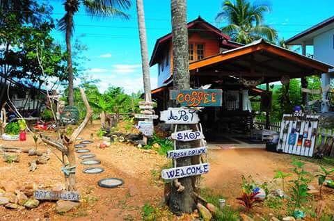 What to do on Koh Lanta - Shopping - Kaya: coffee, art, shop - A Waitress Abroad