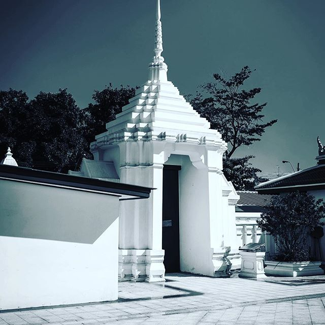 #buddhism #peacefull #bangkok #editorial #photography #thailand #white #travel #quiet #hidden #southeastasia
