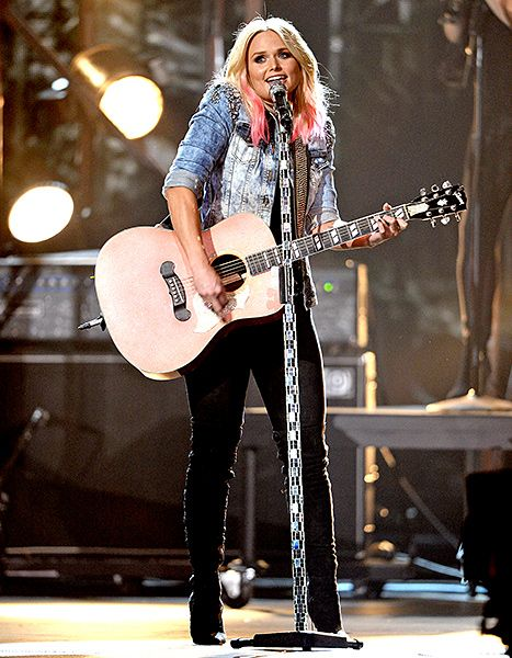 Miranda Lambert's Pink Hair at the 2015 CMAs: Details From Her Stylist - Us Weekly