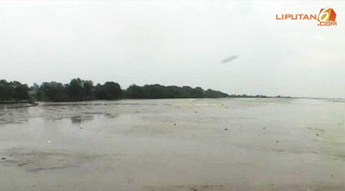 Fenomena Aneh, Laut Pantai Utara Banten Surut 1 Km - http://www.gaptekupdate.com/2014/02/fenomena-aneh-laut-pantai-utara-banten-surut-1-km/