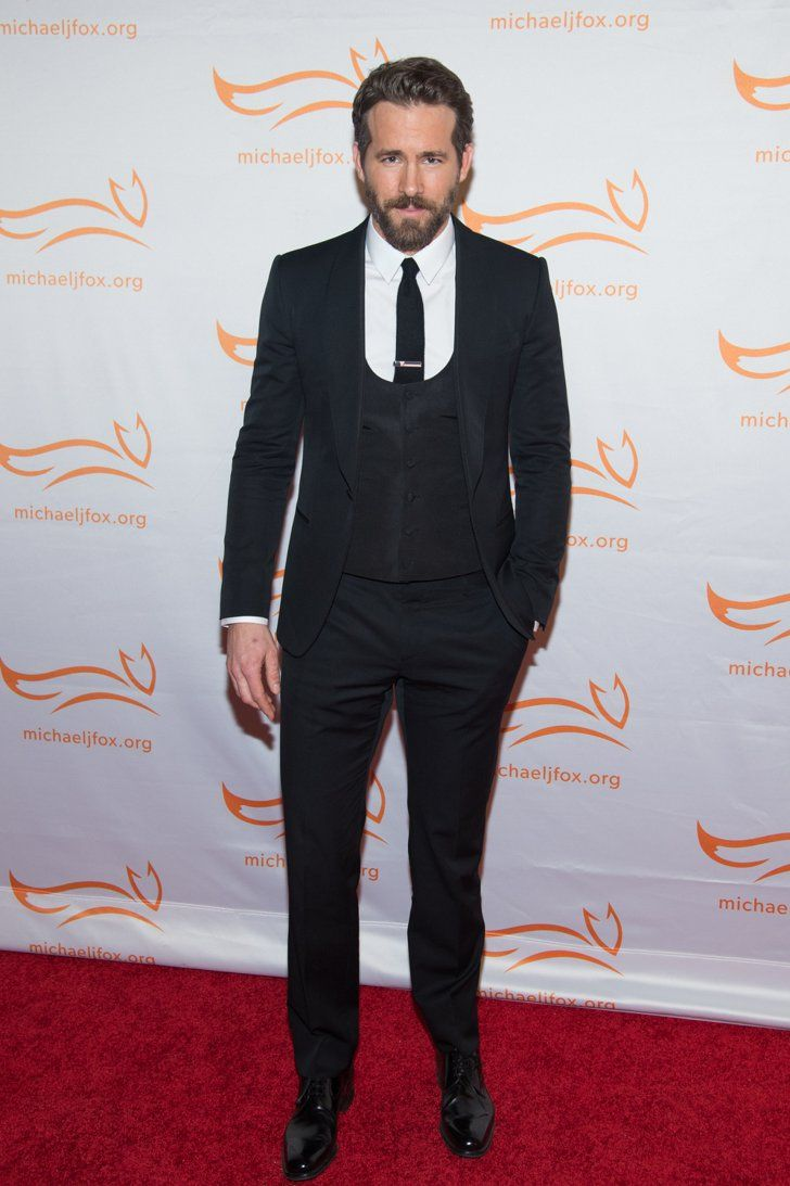 Pin for Later: Are Your Favourite Famous Men Shorter Than You Think? Ryan Reynolds = 6'2""